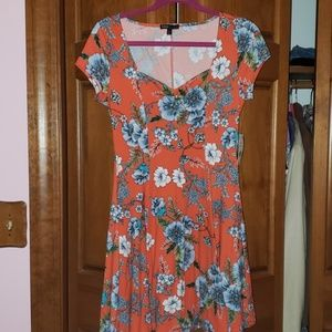 Dresses & Skirts - Adorable cap sleeve floral dress